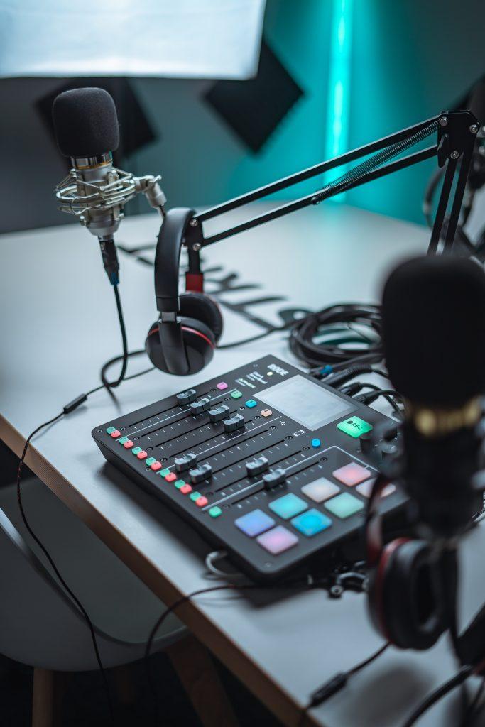 Helyreigazítós-bemutatkozós podcast